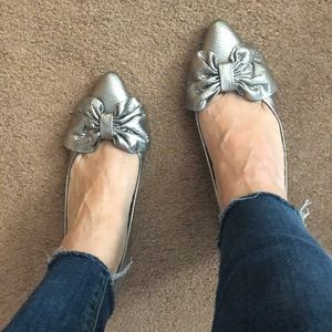CHANEL Silver Bow Pumps 39